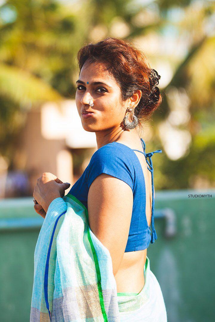 Ramya Pandian saree stills Tamil actress photos