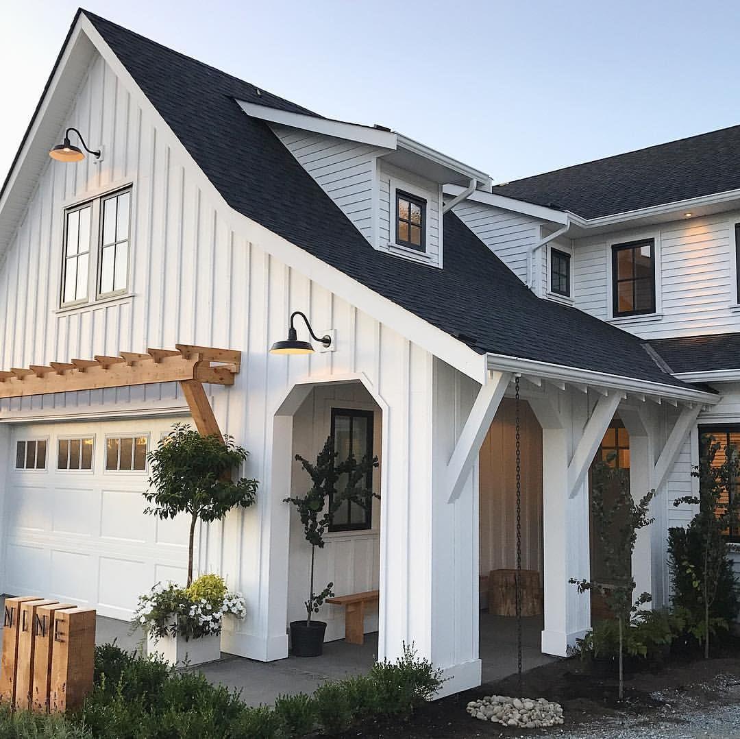 Modern Gray Exterior With Steel Beams: Modern Farmhouse Exterior Home Design. LOVE The Arbor Over
