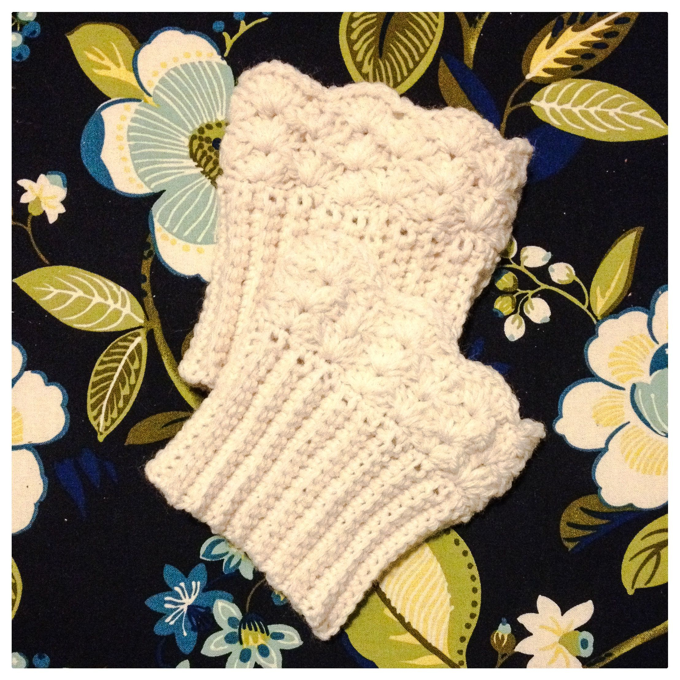 Free Pattern, free crochet scalloped boot cuff pattern. | Crochet ...