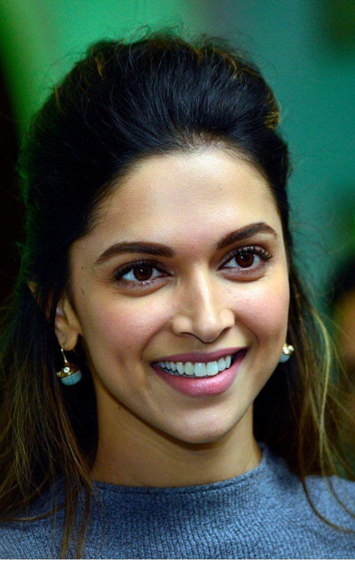 Cutest Smile Ever Deepika Padukone Hot Deepika Padukone Deepika Padukone Style