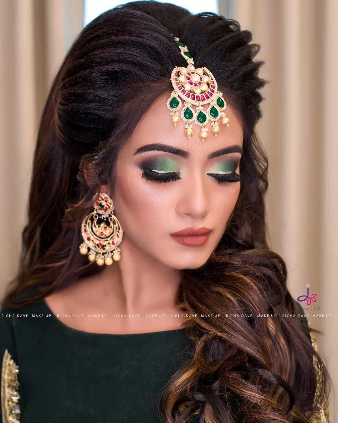 Demonstration For Students In Our 5 Days Hair Styling Master Class At Jasmine Beauty Salon Ahme Bridal Makeup Images Indian Bridal Makeup Bridal Makeup Looks