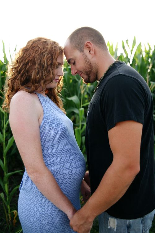 Maternity session by Lavender & Lily Photographic Arts