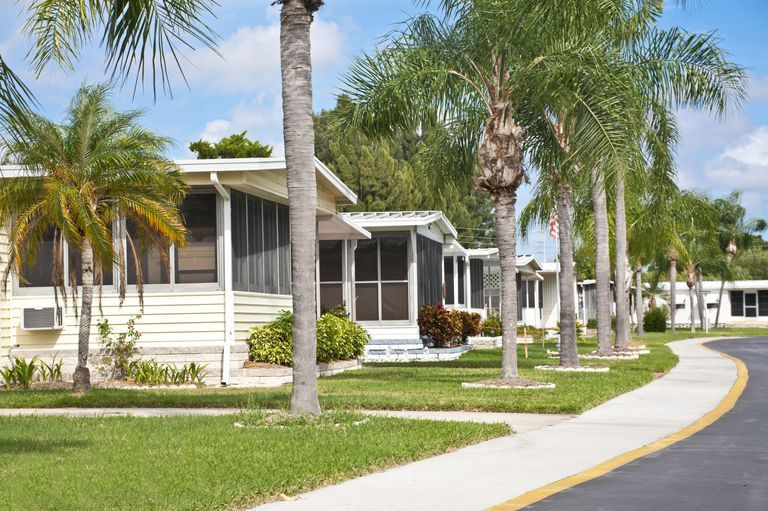 This New Article Says Trailer Parks Are The Future Of Retirement In America Mobile Home Parks Trailer Park Manufactured Home