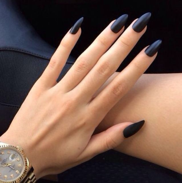 Matte black nail polish with claw nails // not a fan of the nail ...