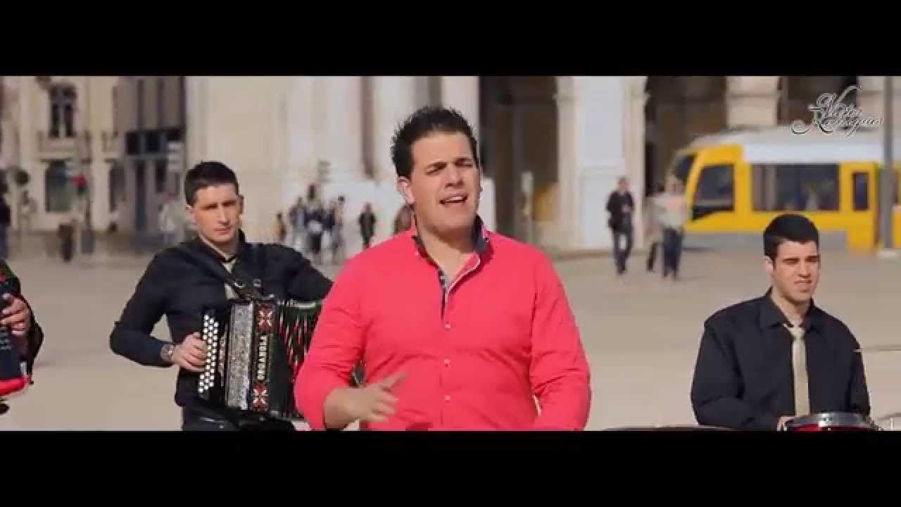 Victor Rodrigues Poe A Mao Na Cabecinha Oficial 931 402 324 Musica Portuguesa Musica E Vida Youtube