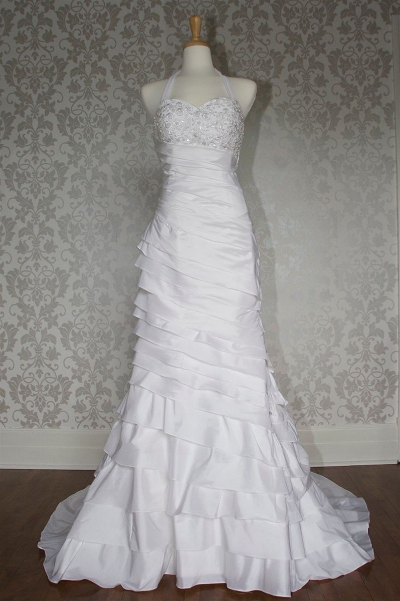 Maternity casual wedding dress  Absolutely love this the bottom comes off for a shorter version and