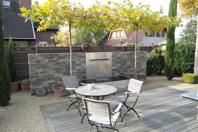 wasserspiel in sthetischer kombination aus naturstein und edelstahl wasserspiel pinterest. Black Bedroom Furniture Sets. Home Design Ideas