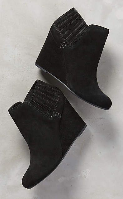 81dc662521b09 Dolce Vita Gwynn Booties  anthrofave