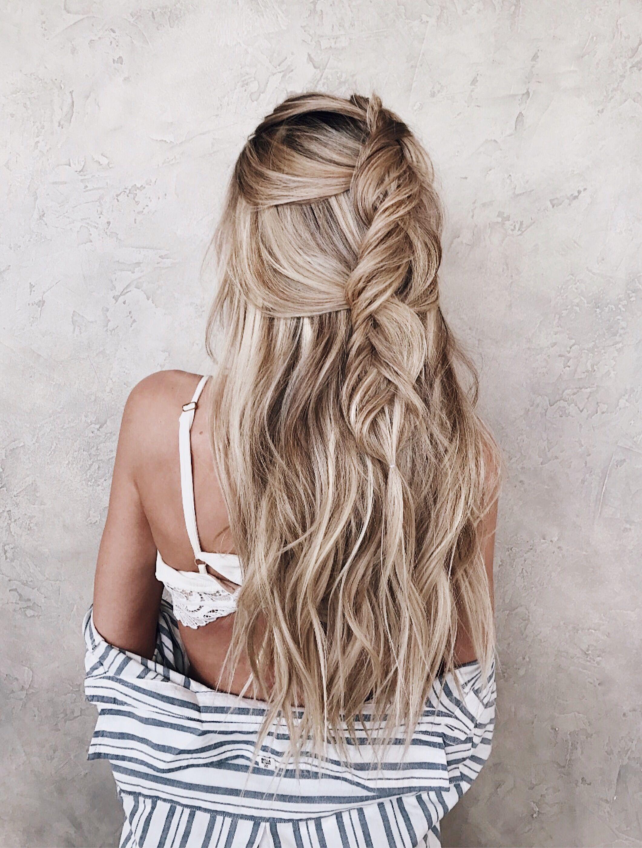 loose blond braid half up hairstyle beach hair// fleur
