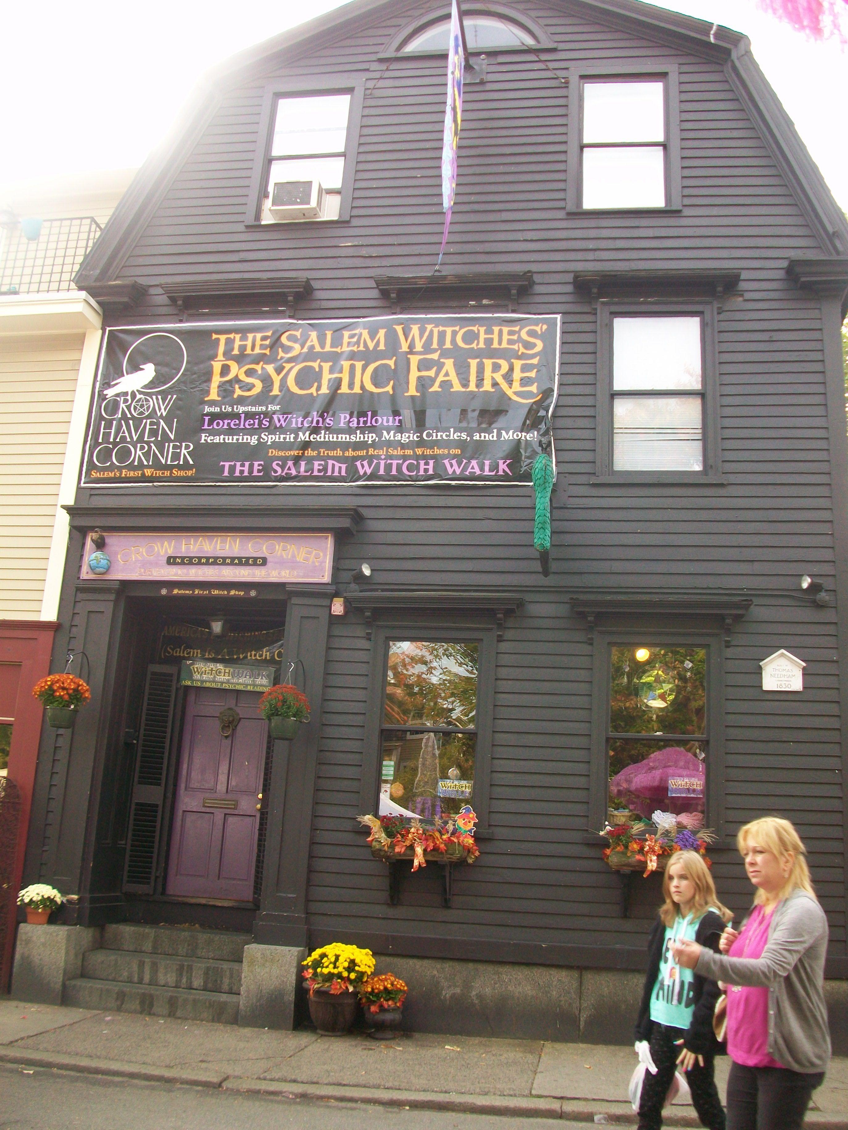 Haunted Biz Baz In Salem Ma Famous Haunted Houses Salem Salem Witch