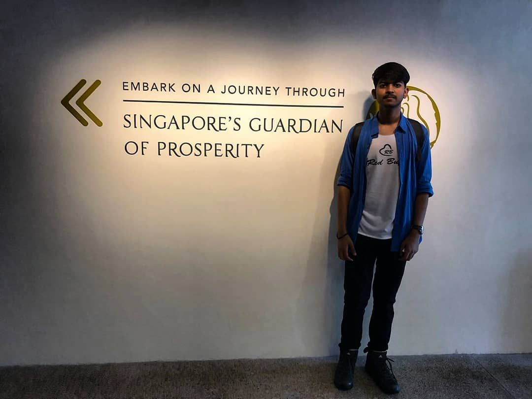 Singaporeus guardian of prosperity fashion model boys