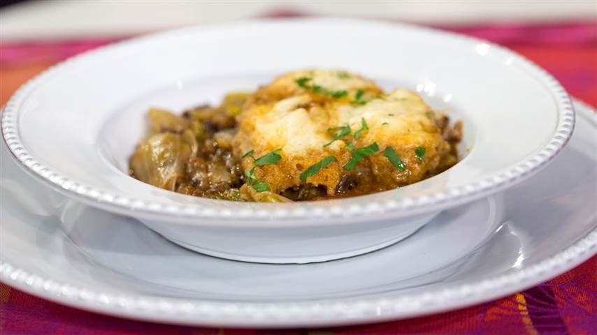 Al Roker shares his mom's 'stick to your ribs' oxtail stew and dumplings
