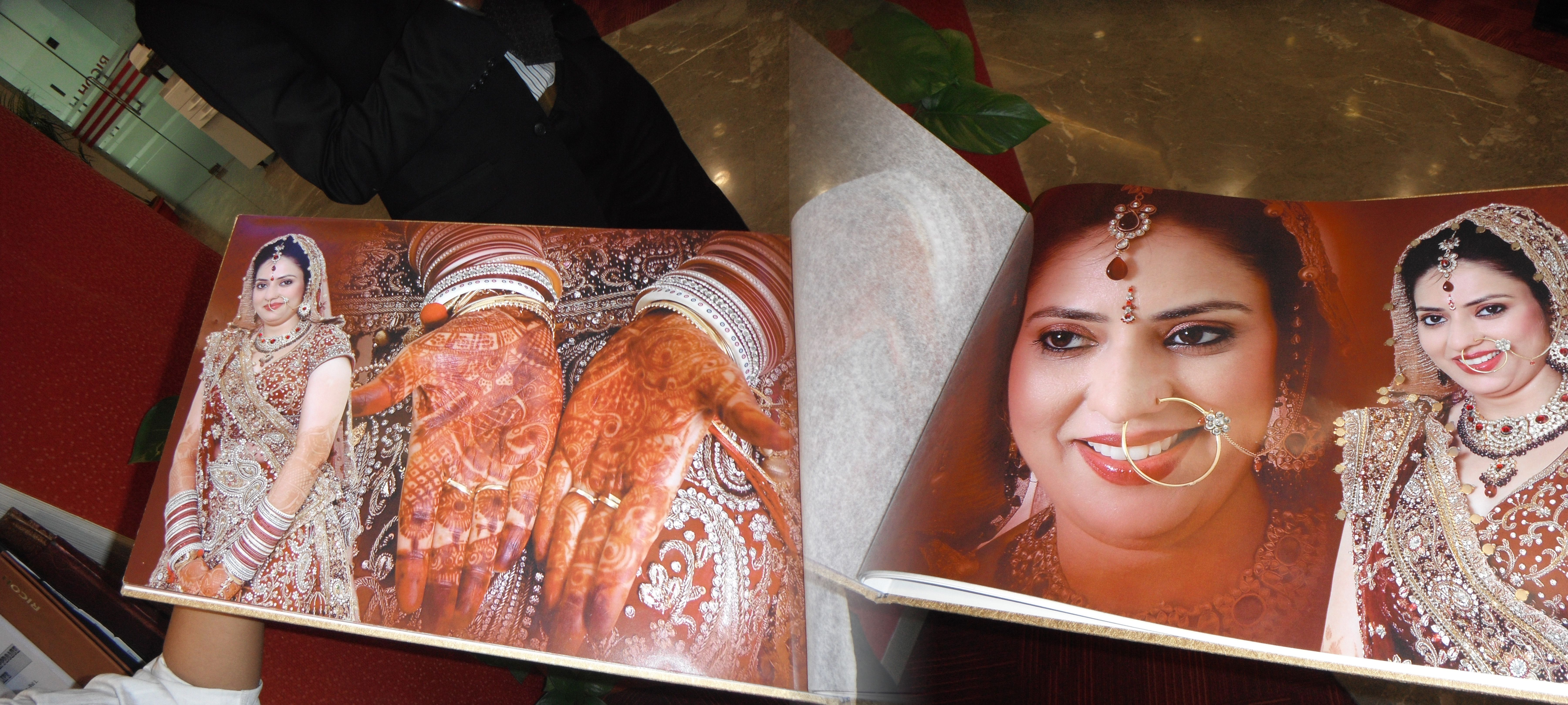 Make Anniversary Photo Album Online