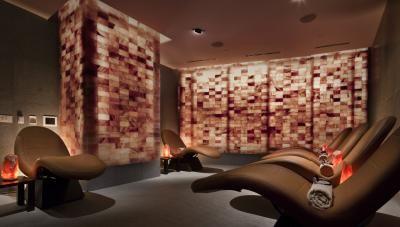 Spa Salon At Aria Resort Casino Spa Treatment Room Salt Room Salt Room Therapy