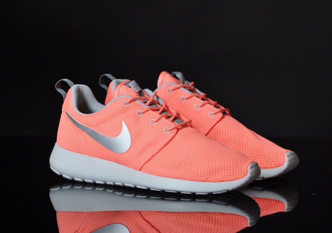 wholesale dealer f242f a8f39 Chaussures Nike Roshe Run Rose Pink Gris Grey prix de gros