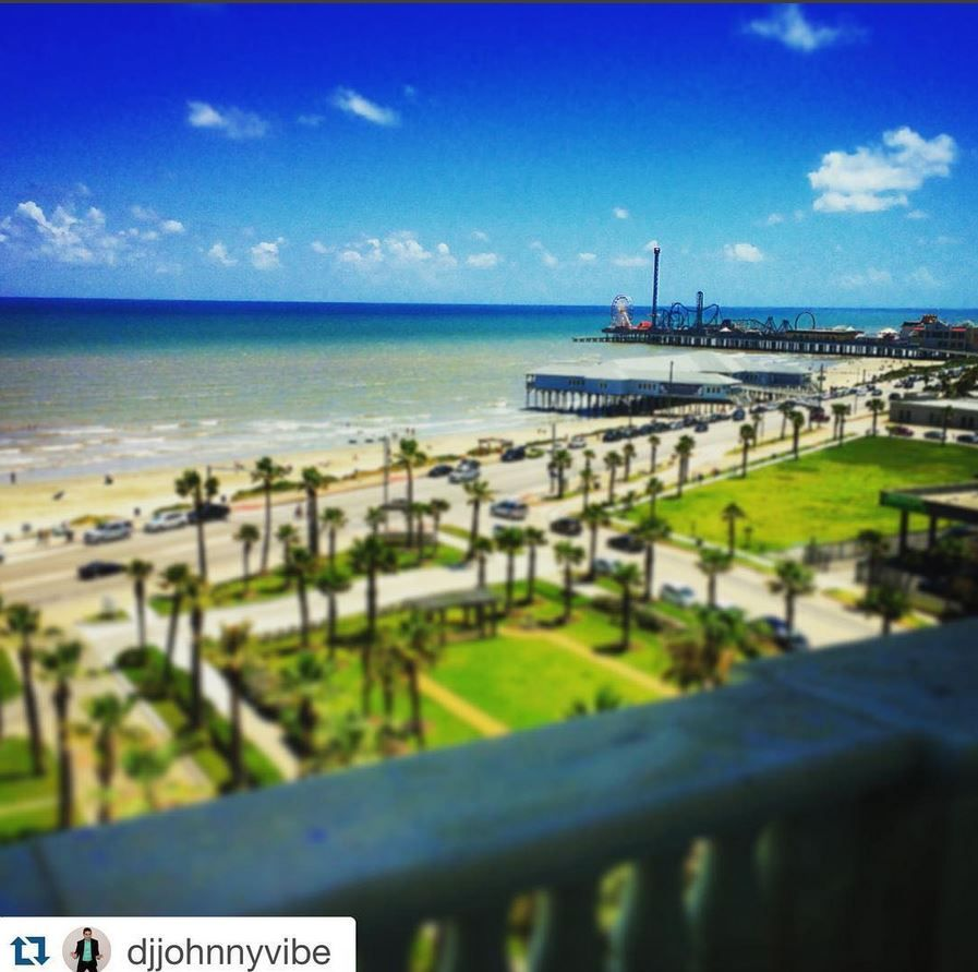Waking up isn't hard to do with a view like this! #Repost @djjohnnyvibe