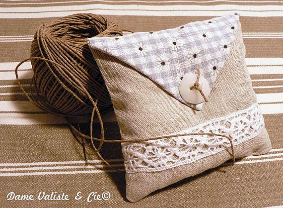petit sachet de lavande couture divers pinterest sachets de lavande sachet et. Black Bedroom Furniture Sets. Home Design Ideas