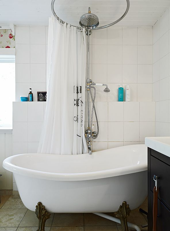 Circular Shower Curtain Rod Centered Over Head If We Get Double Slipper Tub