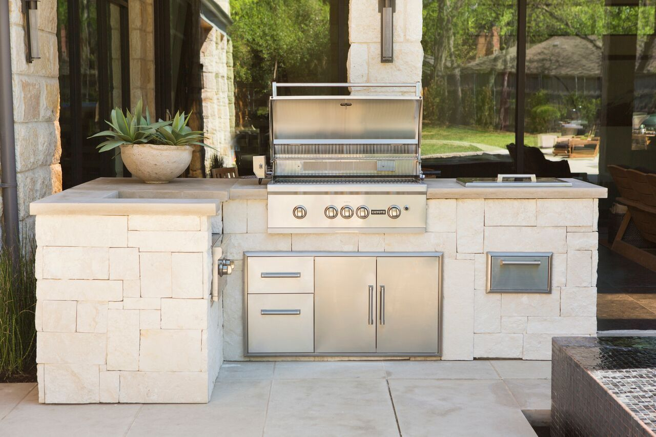 Home Coyote Outdoor Living Outdoor Kitchen Built In Outdoor Grill Outdoor Cooking Spaces