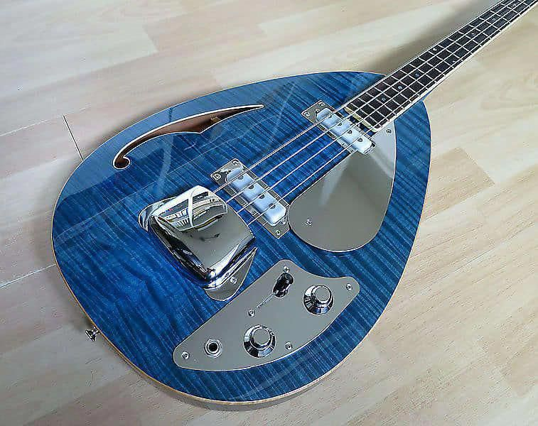 10 unbelievable bass guitar how to play bass guitar kit with amp guitarteacher. Black Bedroom Furniture Sets. Home Design Ideas