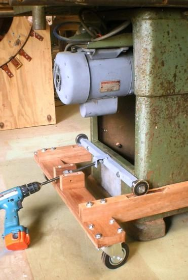 Peter Sibley's heavey duty mobile table saw base | Table ...