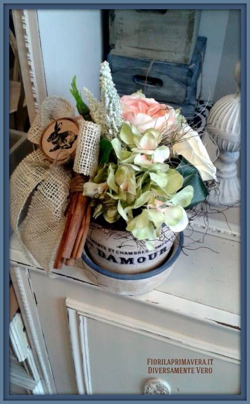 Vaso di coccio decorato a mano www.fiorilaprimavera.it