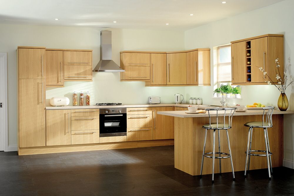 strata oak kitchen kitchen cosy kitchen kitchen cabinets rh pinterest com