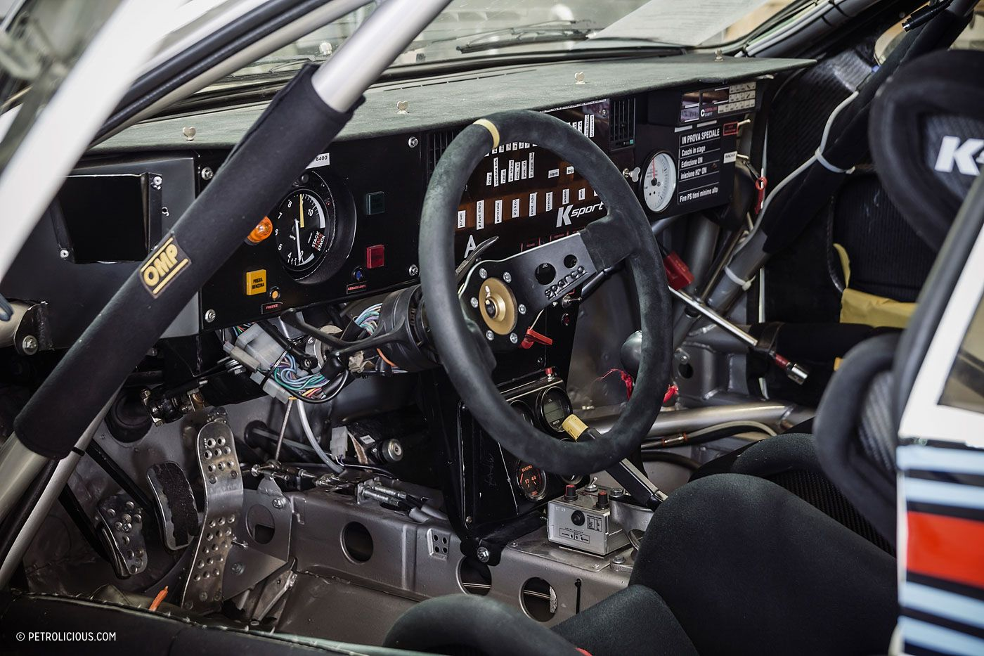 this heavenly garage only works on lancia rally cars awesome stuff rh pinterest com