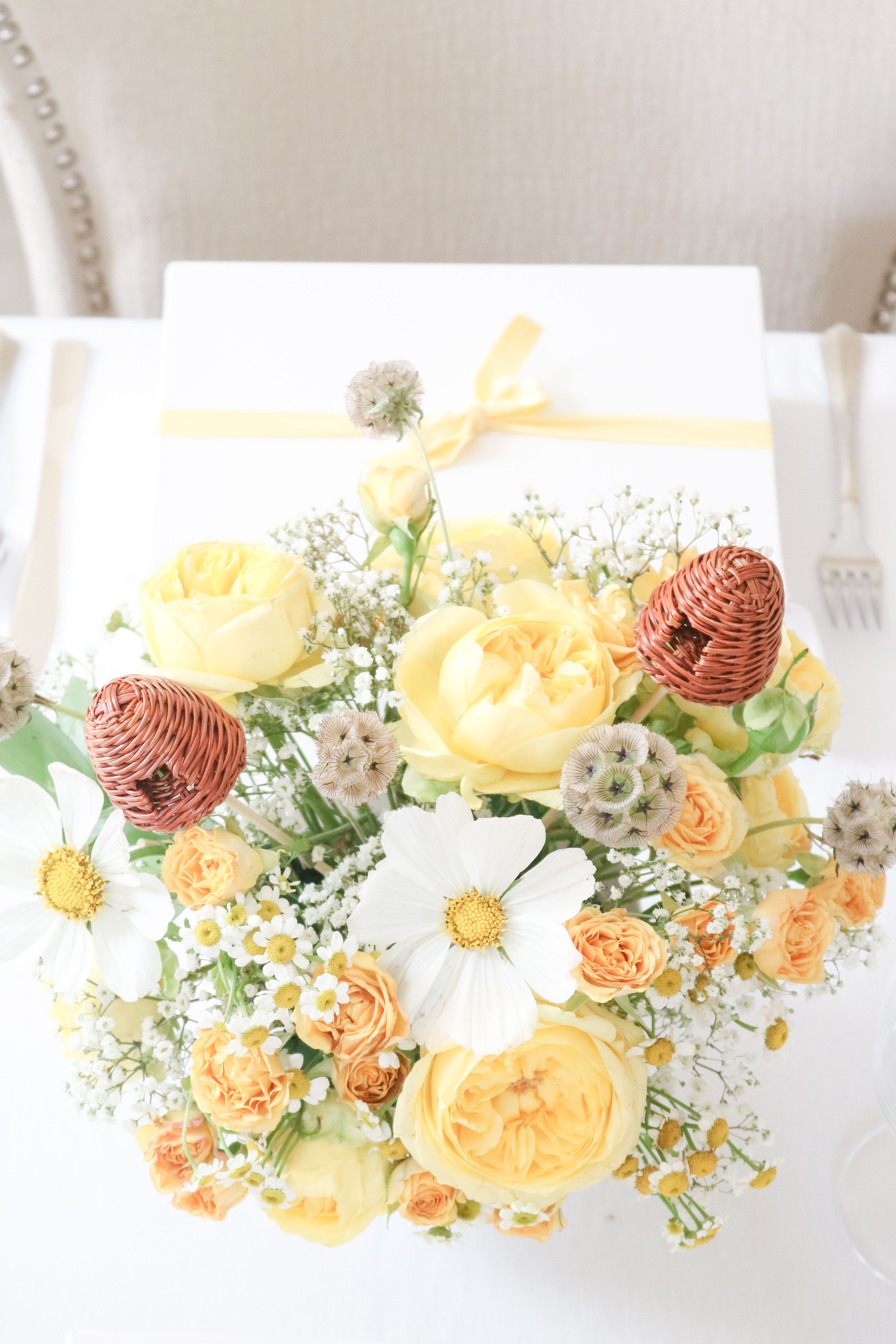 classic winnie the pooh baby shower with yellow roses centerpieces rh pinterest com