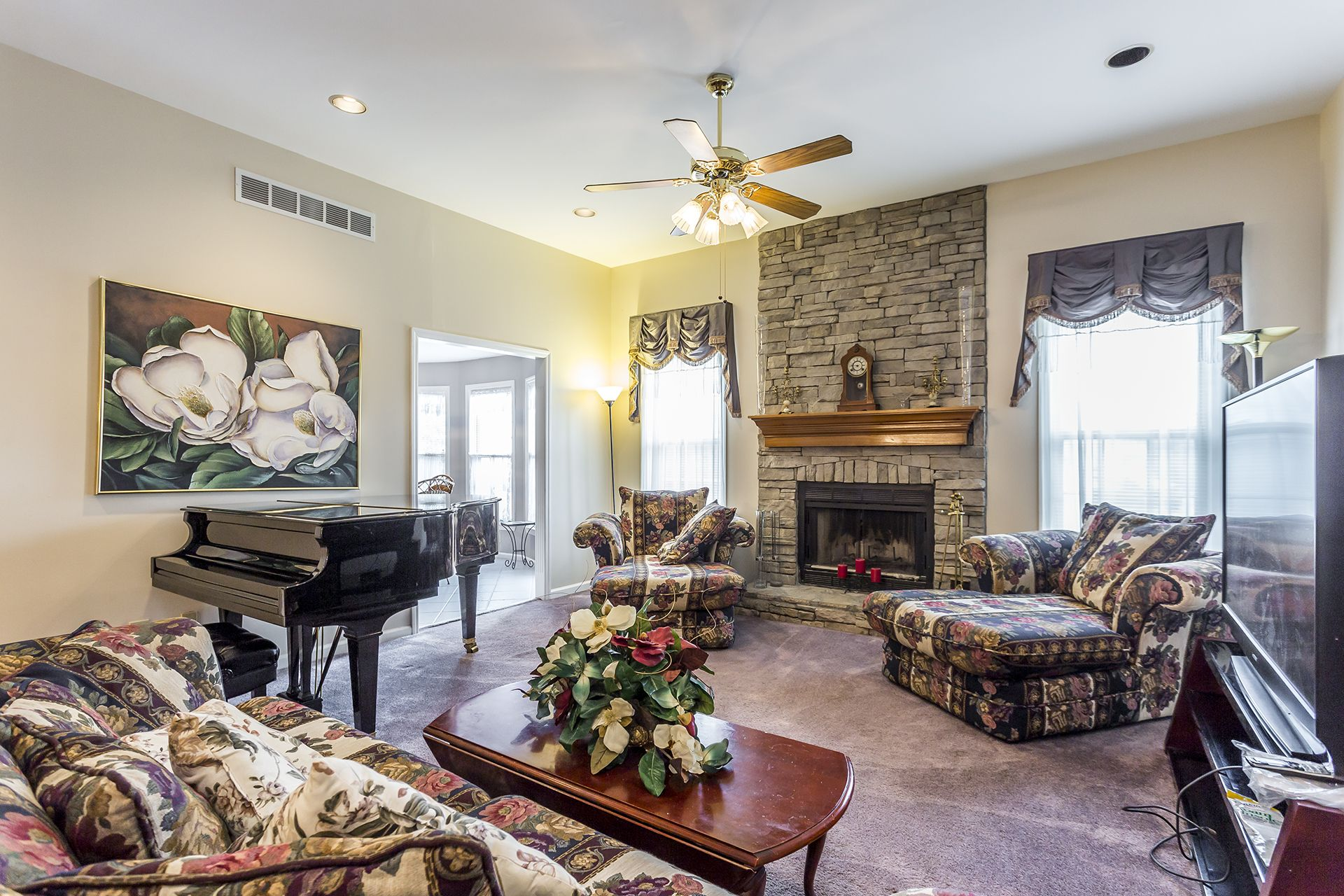 4210 Clearwater Way Lexington Ky Hang Out In This Great Room