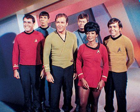 26 januari 2014: Macro. James Doohan als Scott, Leonard Nimoy als Mr. Spock, William Shatner als Captain James T. Kirk, DeForest Kelley als Dr. McCoy, Nichelle Nichols als Uhura en Eddie Paskey als Lt. Leslie in de originele Star Trek serie (1966–1969)