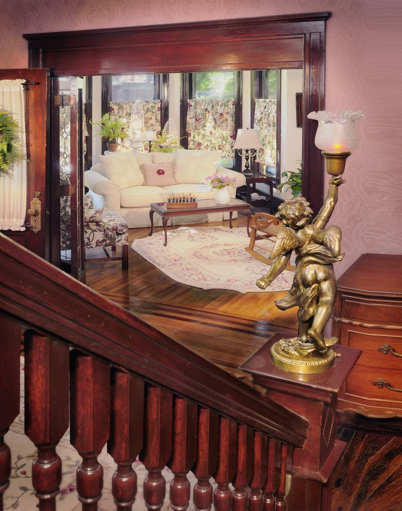 Best Beautiful Mahogany Staircase Railing At J Palen House Bed 400 x 300