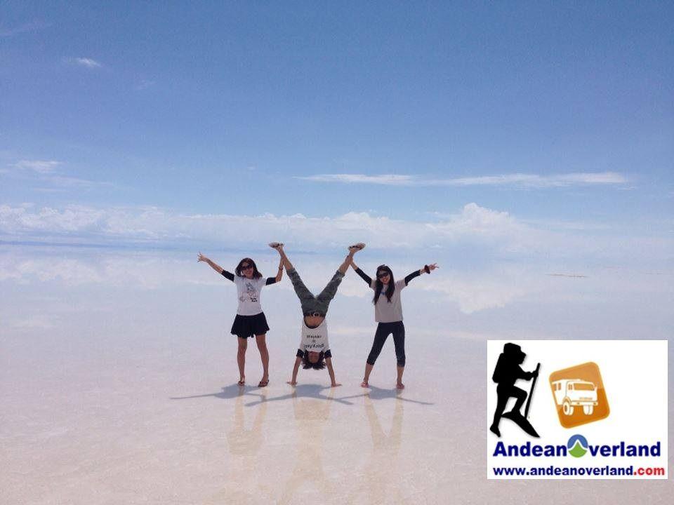 El salar de Uyuni es el mayor desierto de sal del mundo y una de las atracciones más turísticas de Bolivia. www.andeanoverland.com