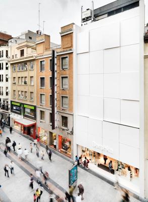 Zara, Mango, Bershka: ¿qué marcas comienzan a abrir sus tiendas?