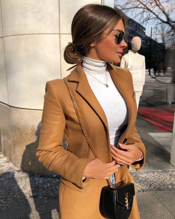 Blusa de Gola Alta Branca #businessprofessionaloutfits