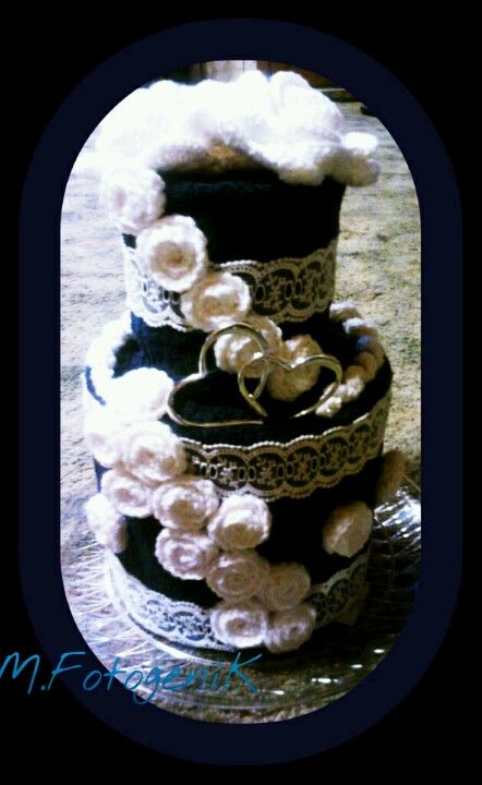 Flowers are crocheted.