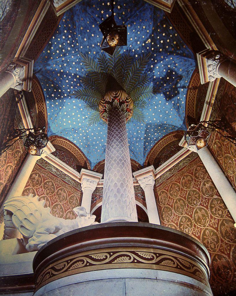 Schloss Neuschwanstein Treppenende Im Turm Hierher Fluchtete Konig Ludwig Ii Bei Seiner Entmundigung Germany Castles Beautiful Architecture Castle