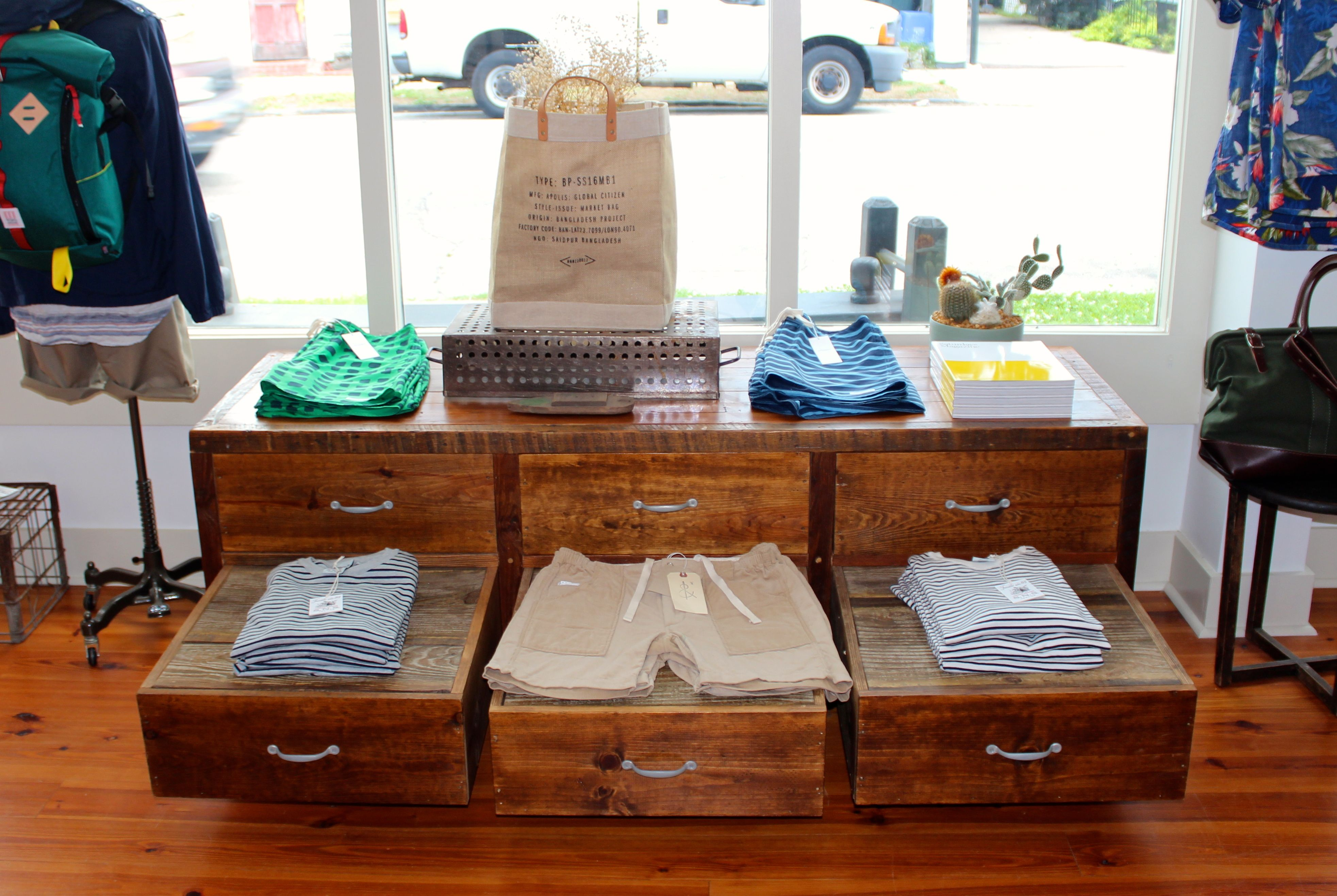 Awesome Custom Display By Landrum Tables Made From Reclaimed Wood In Charleston, SC  Http:/