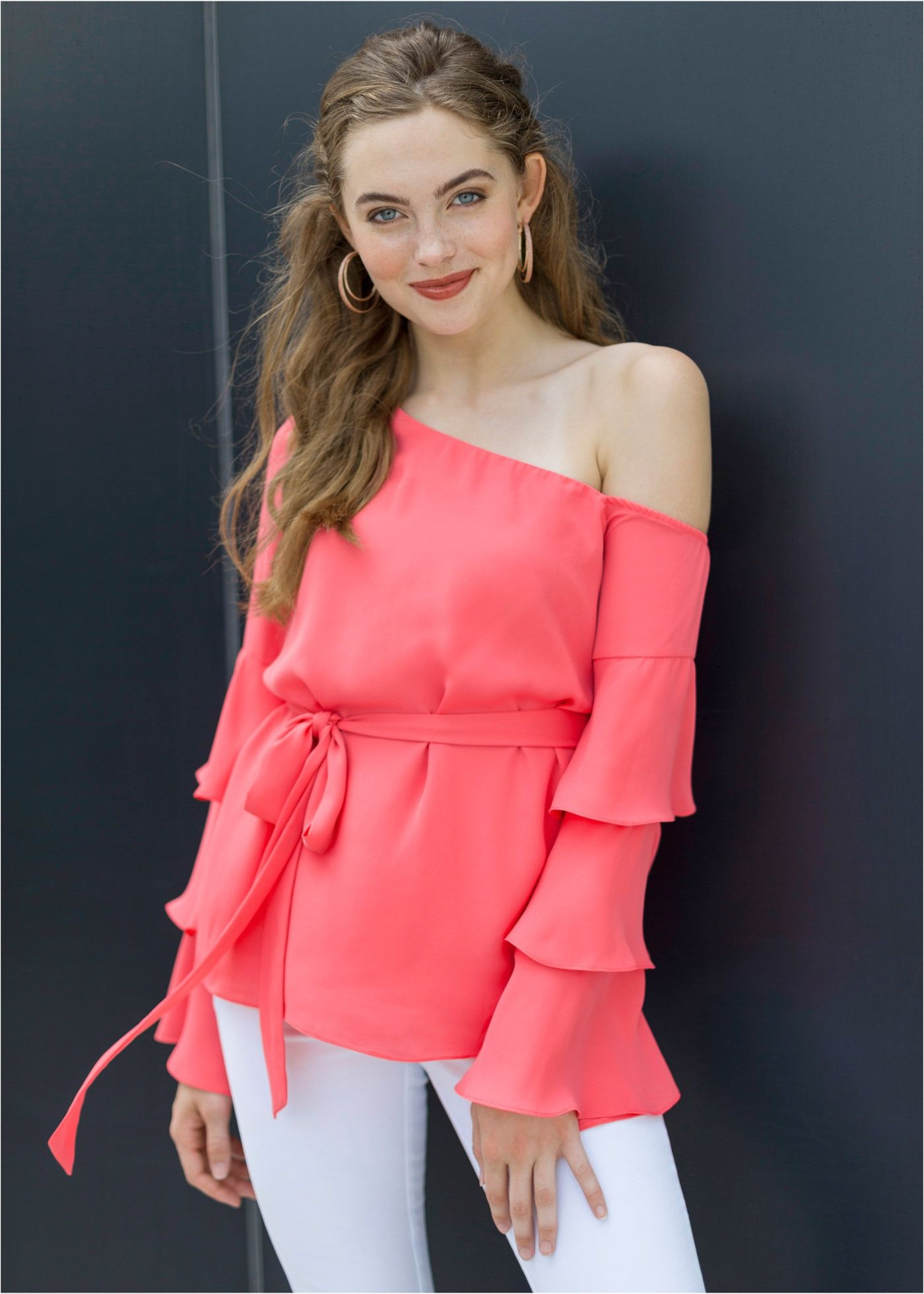 b2e91dd168 Blusa de um ombro só rosa encomendar agora na loja on-line bonprix ...
