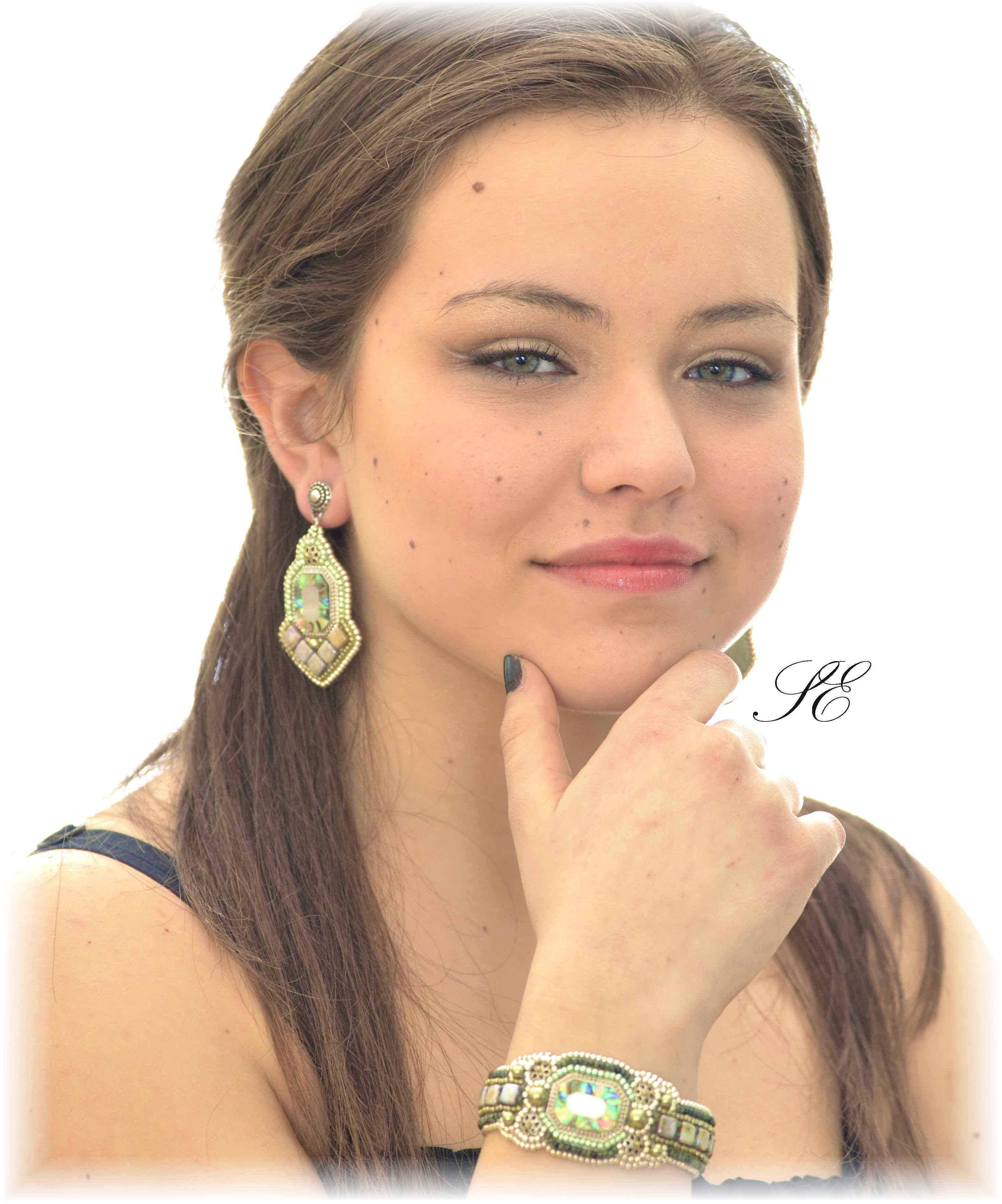 bead embroidered bracelet earrings