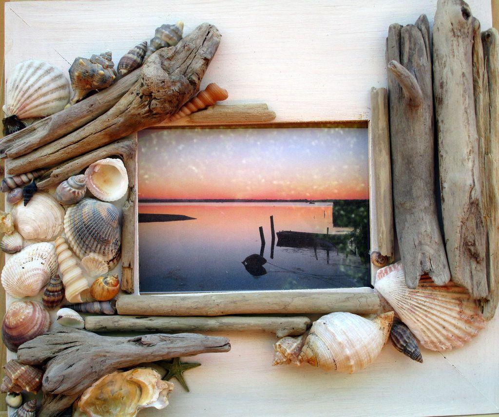Cornice con legnetti di mare e conchiglie by fantasia - Specchio con conchiglie ...