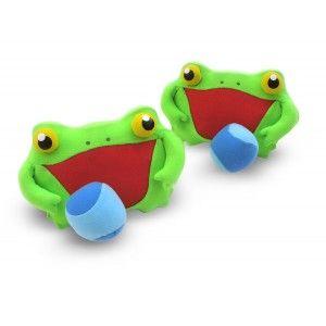 beachball für kleine frösche. die beiden grünen frösche lassen sich mit einer schlaufe gut in der hand halten. die beiden weichen bälle halten dann mit etwas glück mit klettband an den frosch.