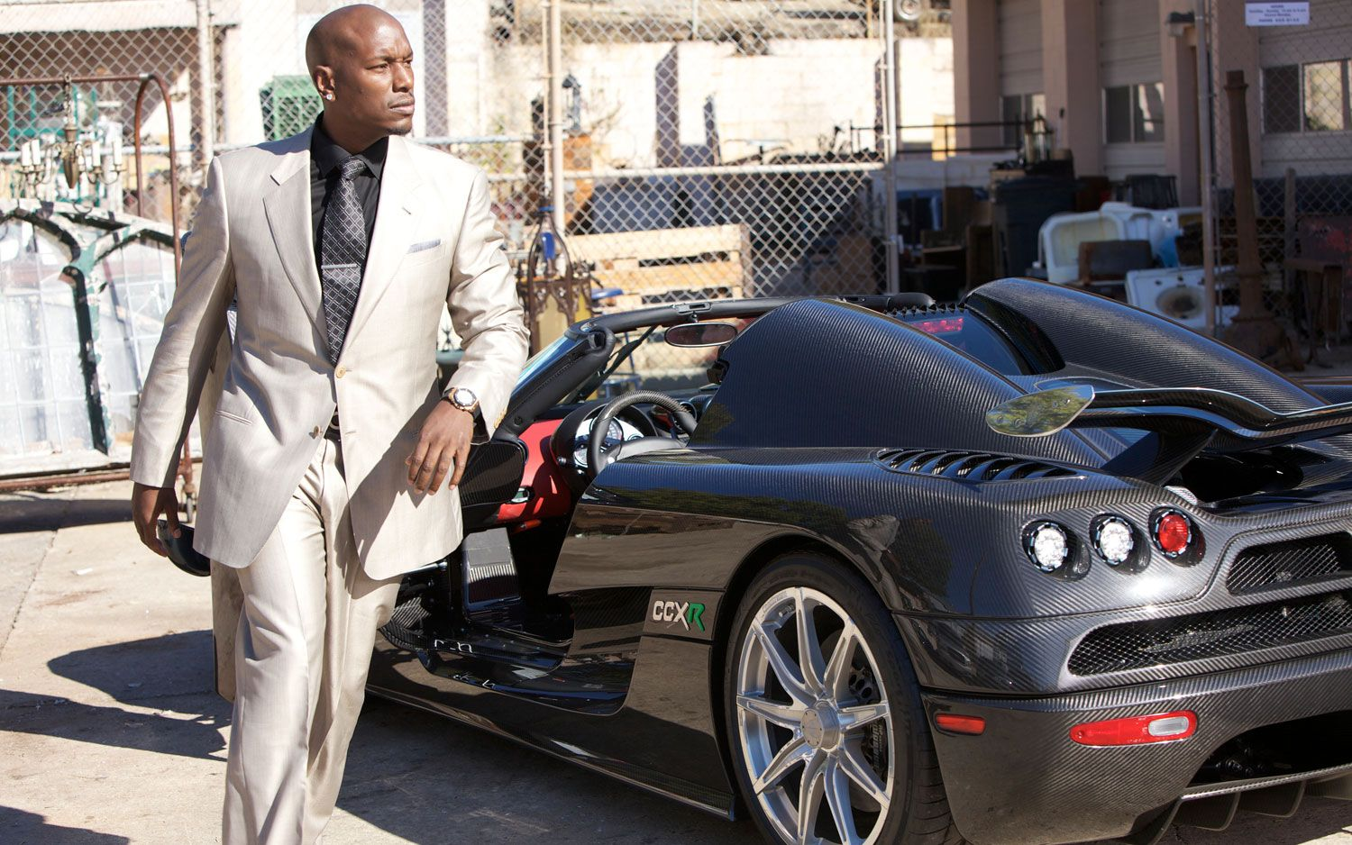 tyrese gibson | Fast Five Tyrese And Hot Car | Tyrese Gibson ...