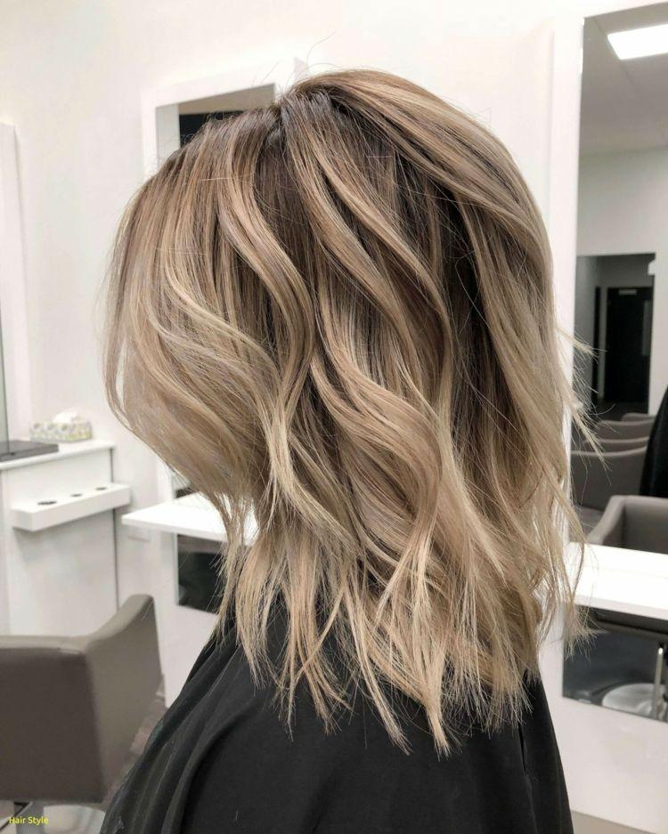 Dunkelblonde Haare Frisurenideen Haartrends Damen Darkblonde Haircolor Hair Frisuren Mit Pony Mittellang Einfache Frisuren Mittellang Frisuren Mit Pony