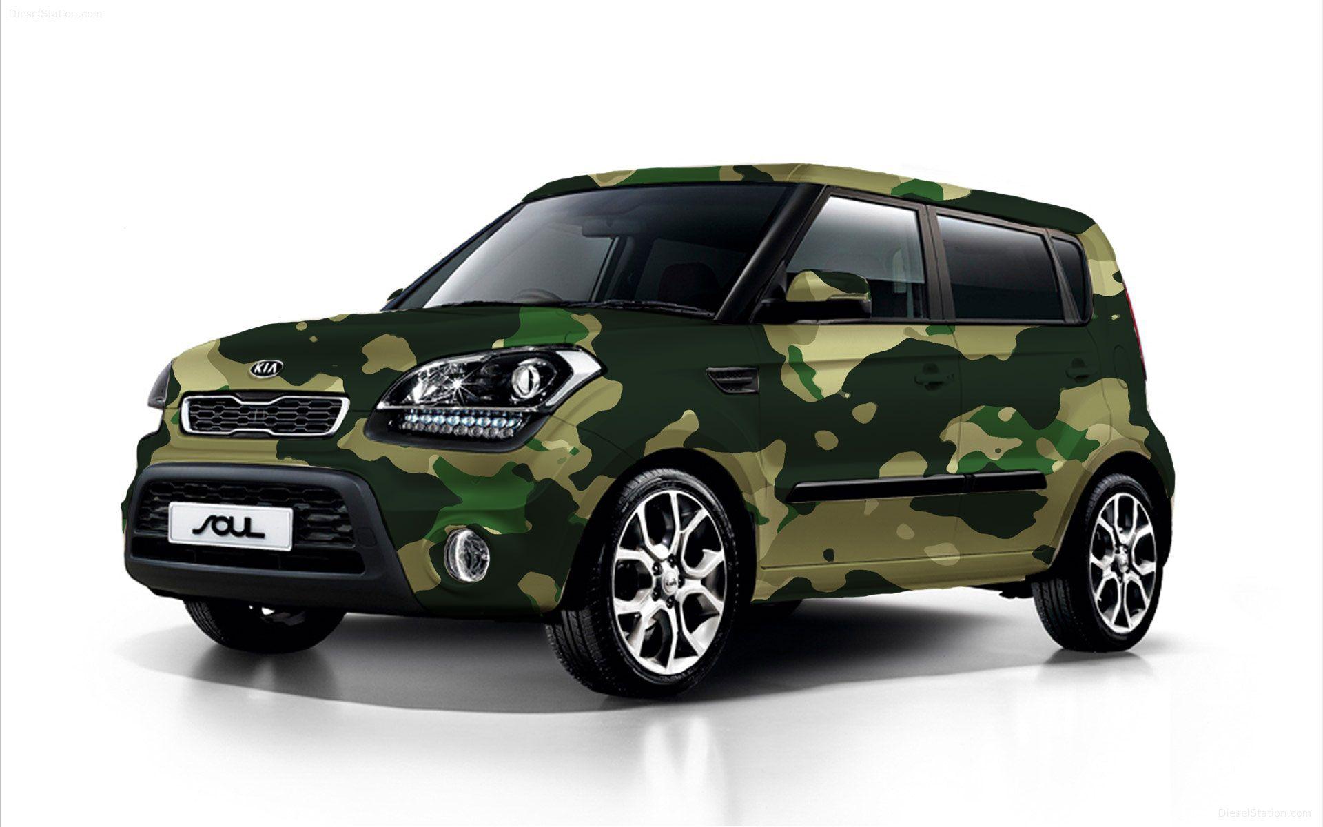 Traditional green camo wrap design for a 2013 Kia Soul