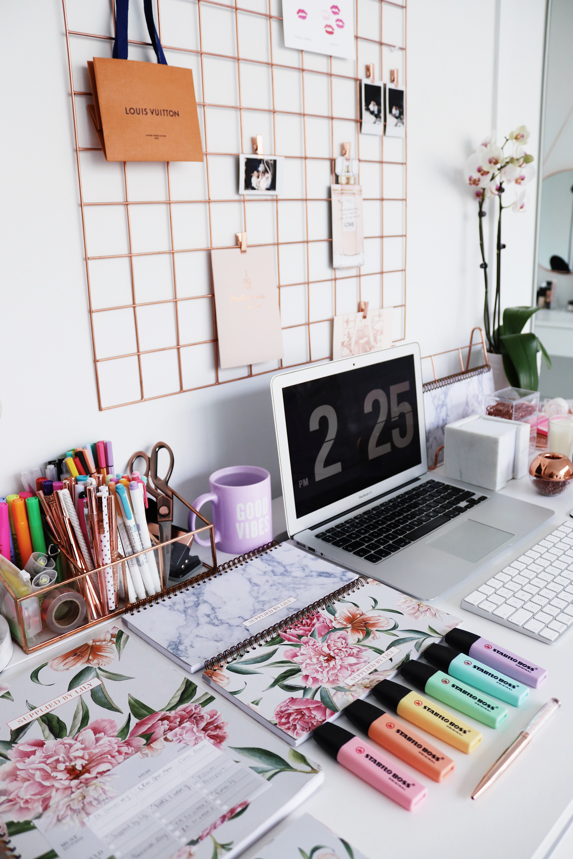 How To Plan For Law School University Work Social Life Lily Like Study Desk Organization Study Room Decor Desk Organisation Student