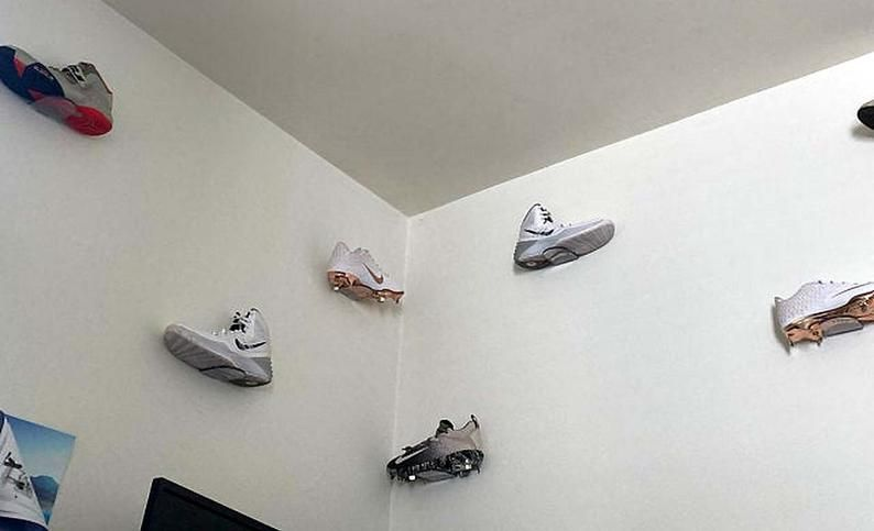 Floating Single Sneaker Display Shelf Clear Plastic Wall Etsy In 2020 Sneaker Displays Display Shelves Sneaker Storage Box