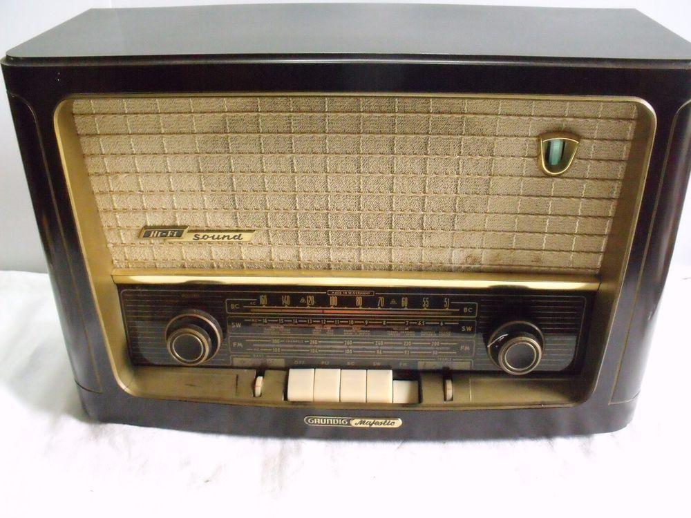 1956 Grundig Majestic Radio 1060 German Bakelite AM/FM/SW
