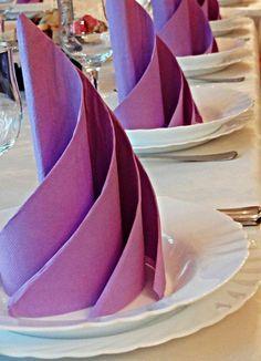 Pliage De Serviette En Papier Pour Décoration De Table