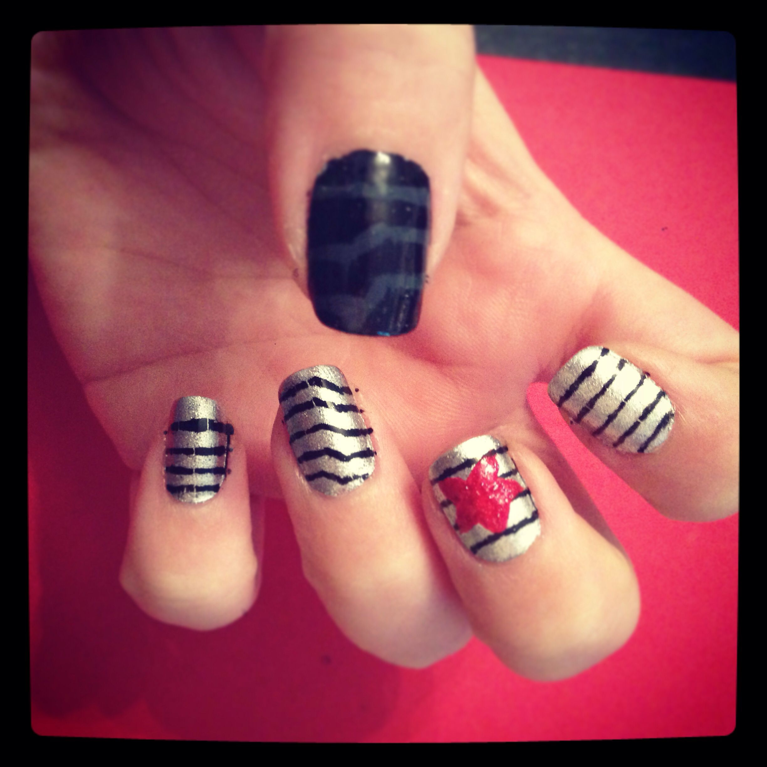Soldier nail